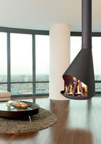 cheminée suspendue au centre du feu